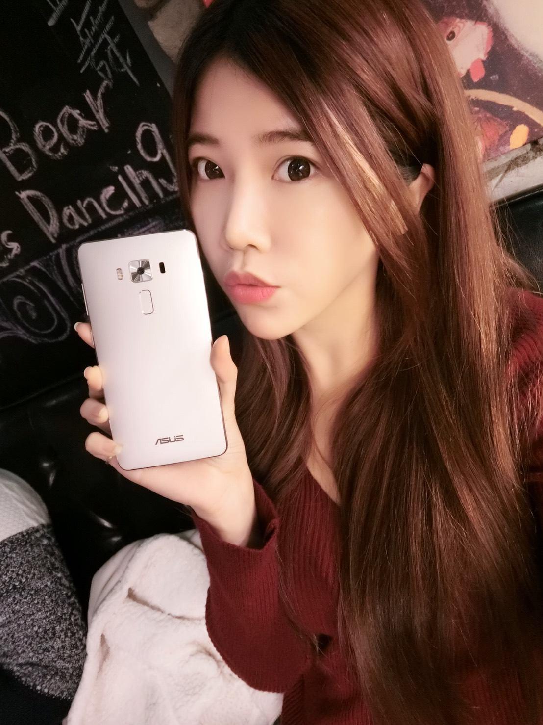 [花新機]媲美相機的冰河銀裸時尚手機-ASUS  ZenFone 3 Deluxe ZS570KL