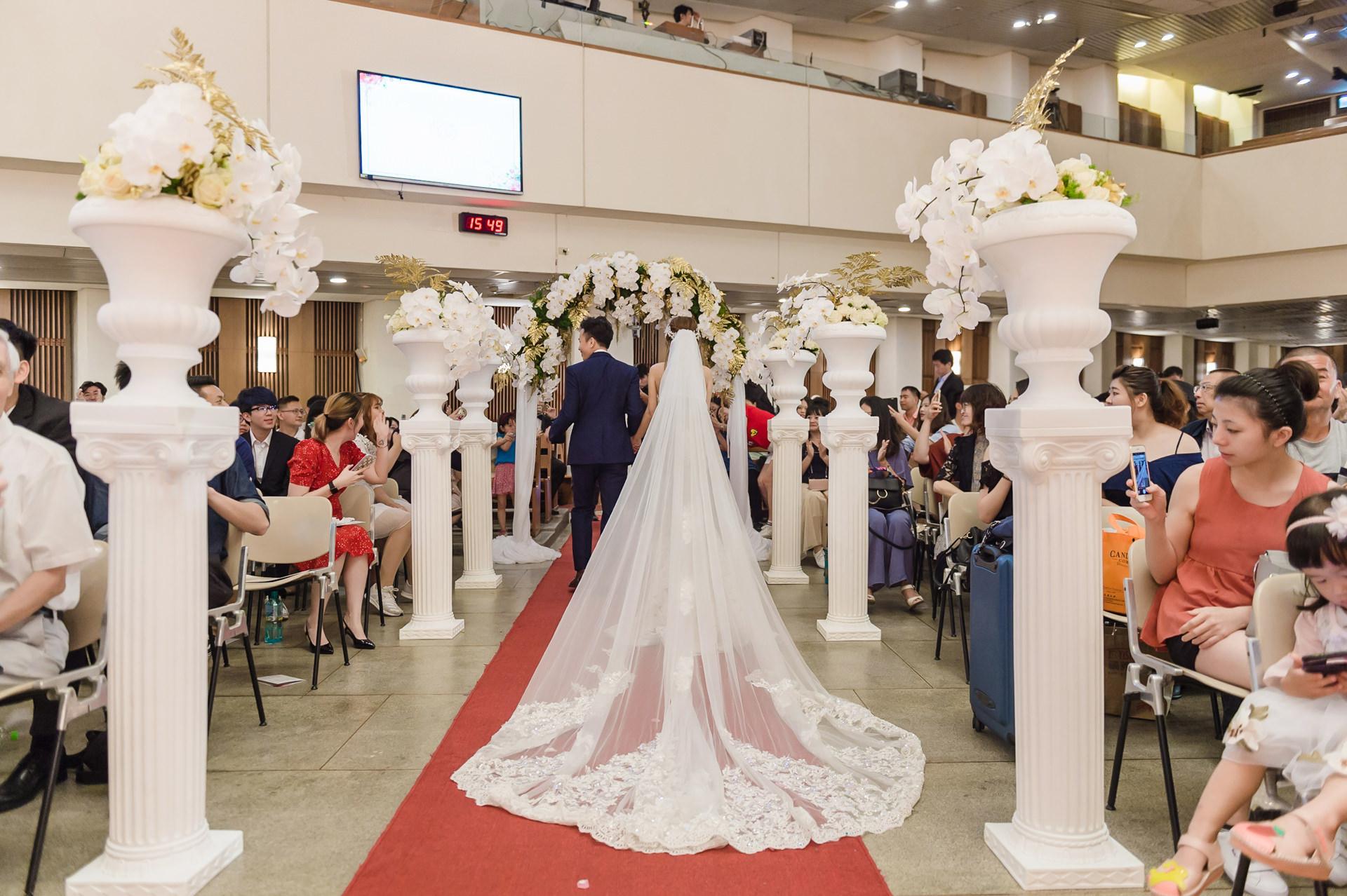[花婚嫁]我的絕美教堂婚禮佈置。白金風。HF花藝。婚禮小物