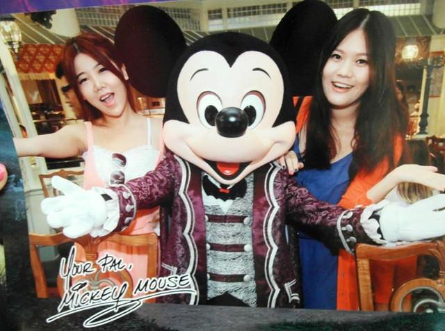 [香港迪士尼]飛天巡遊x星夢奇緣煙花表演x與米奇好朋友合照