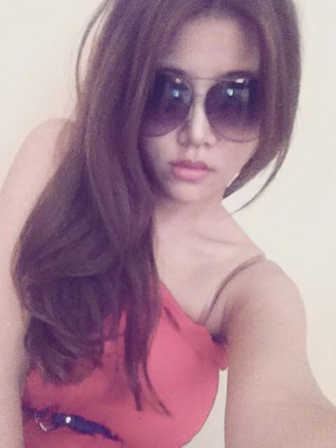 [穿搭]大臉女最適合的太陽眼鏡實搭術。花花實戴版